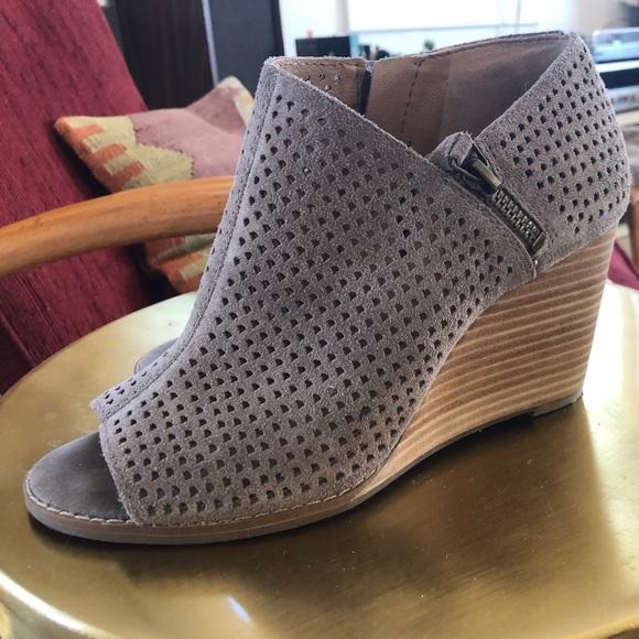 30b2c4110760 Lucky Brand Shoes - Lucky Brand Jabilo peep toe Wedge